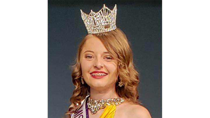 Abigail Rosenthal,  Miss Nebraska National Teenager is very active in her community,  volunteering with organizations such as Camp Kitaki,  Make-A-Wish,  City Impact  and many more. She was recently awarded the President's Volunteer service award for her commitment to volunteering.   She is in the 12th grade, and also very active in her school. She is in her 4th year with her theatre's thespian troupe. As well as a lead on her highschool archery team.